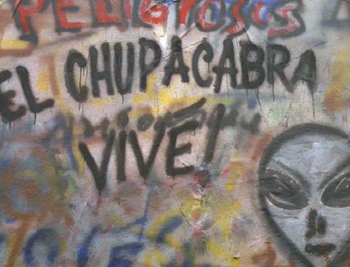 411 EL MUNDO GIRA (El Chupacabra)  dans SAISON 04 (1996/1997) 4111